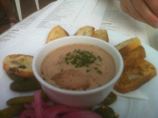 L'Albatros Brasserie + Bar: Chicken liver pate done so right.
