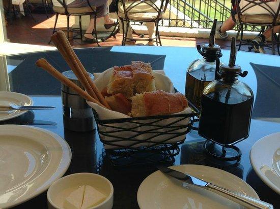 Stillwater Bar & Grill: Bread