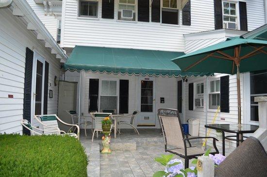 The Sunset Inn: back breakfast porch