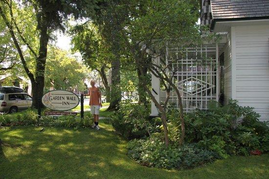 Garden Wall Inn: Garden Wall Inn Sign