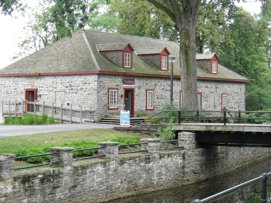 Lachine Fur Trade Museum: Stone Museum on the banks of Lachine Canal