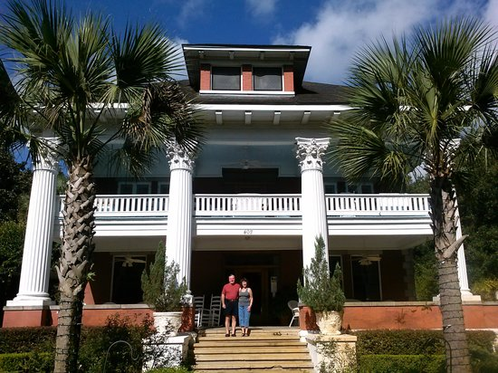 Herlong Mansion Bed and Breakfast Inn: R & R