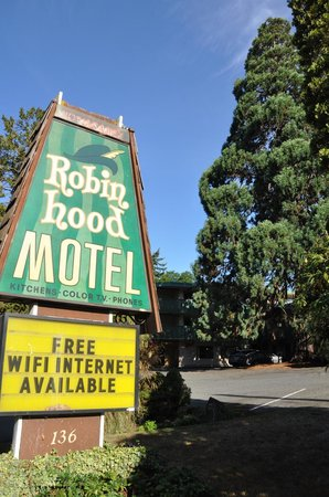 Robin Hood Motel : Sign on the street