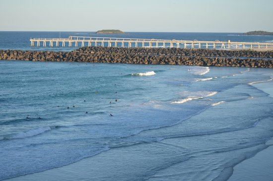 La Costa Motel: Surfing at Duranbah