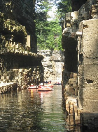 Ausable Chasm: Rafting the chasm