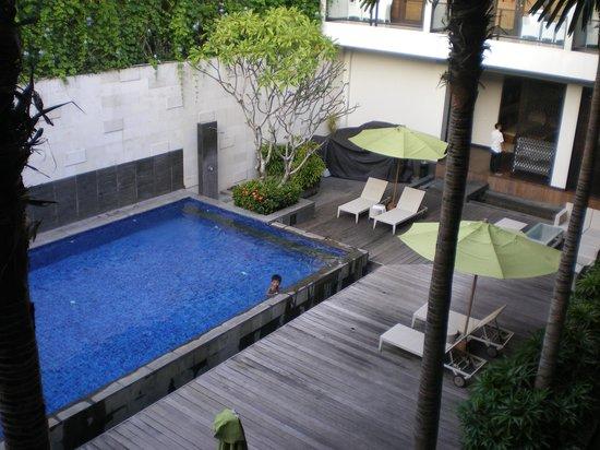 Dekuta Hotel: kolam renang