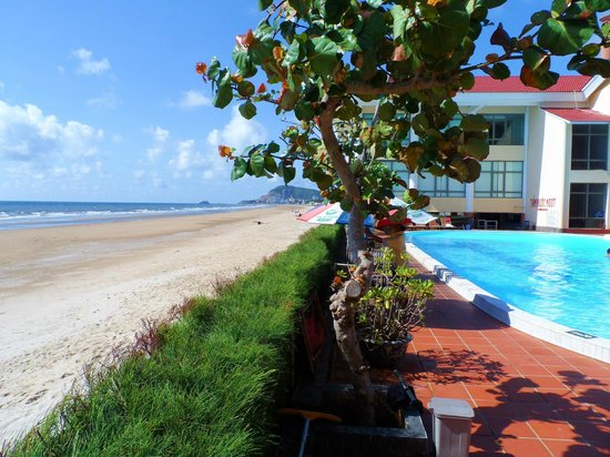 Vungtau Intourco Resort: Pool/Beach