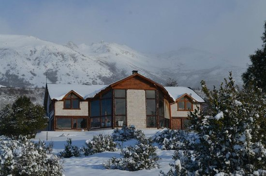 Poncho Moro Lodge