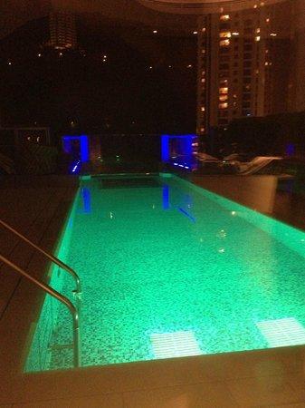 Hotel Indigo Hong Kong Island: Sky Pool
