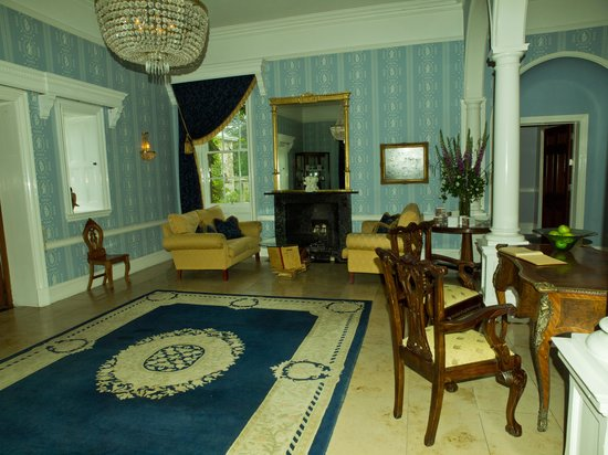 Dunbrody Country House Hotel: Entrance hall