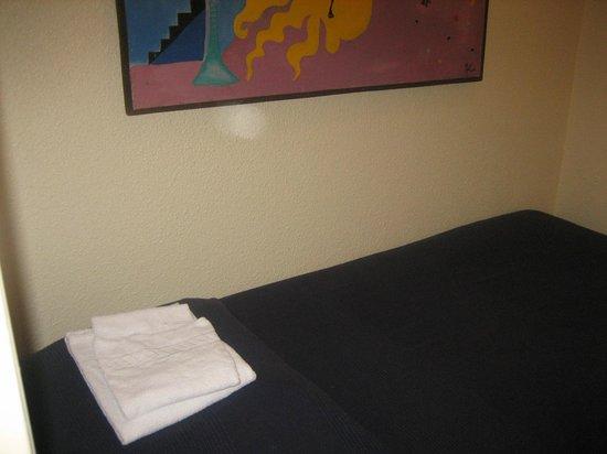 Saint Sulpice Residence Hotel: 入り口スペースのシングル