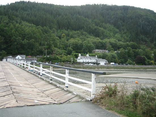 George III Hotel Restaurant: The George the Third from across the toll bridge