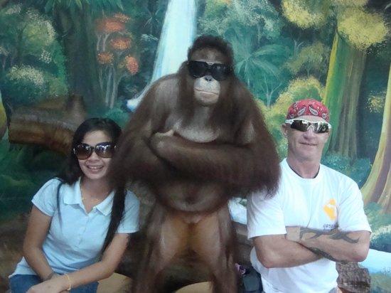 Phuket Zoo : Mafia pose