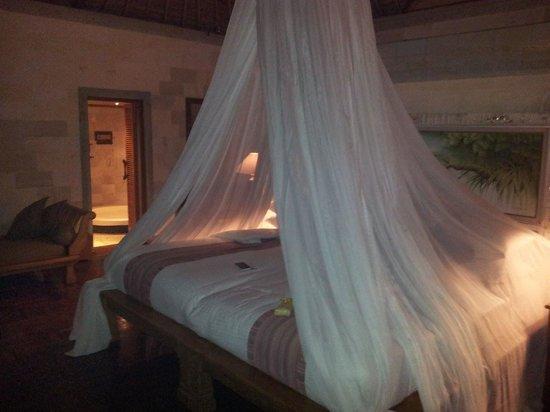 The Royal Pita Maha: King sized bed.