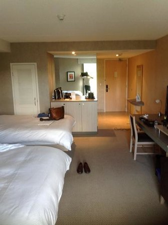 Holiday Inn Express Epsom Downs: bedroom