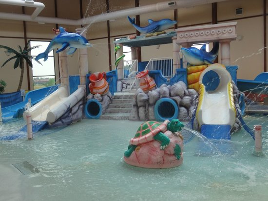 Grand Marquis Waterpark Hotel & Suites : Indoor water park.