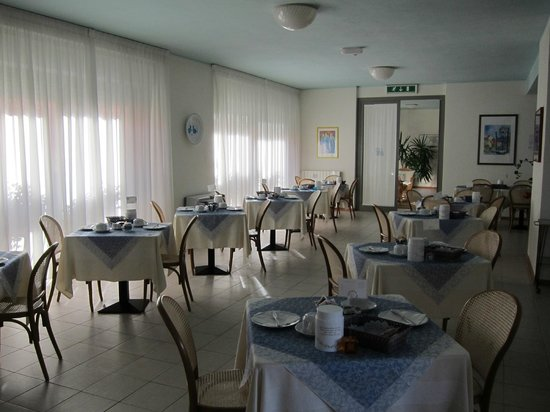 Hotel La Roccia: Breakfast Room