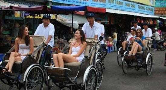 Brandi Hotel: Cyclo tour :)