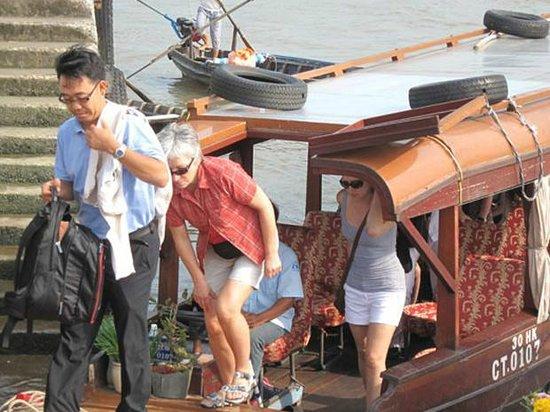Brandi Hotel: Ha Long Bay trip