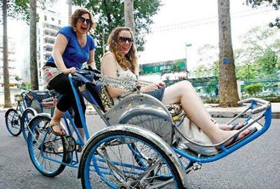 Brandi Hotel: Cyclo fun :)