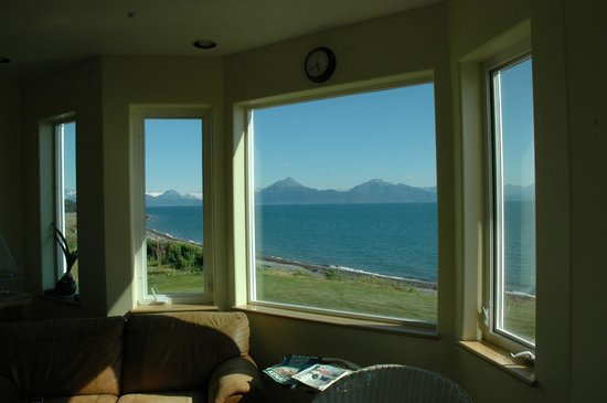 Driftwood Inn & Homer Seaside Lodges: View from the family area