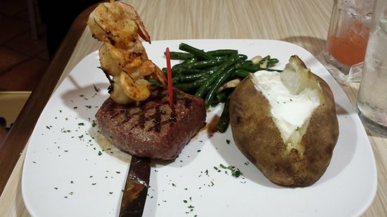 Water Street Seafood Co : Surf and Turf
