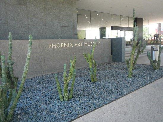 Phoenix Art Museum: Entrance