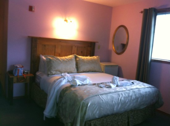 Georgetown Inn: queen bed was comfortable