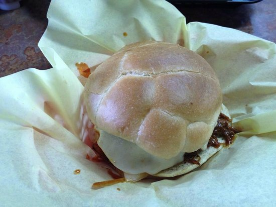 Hoggs Gourmet Grill: Pulled Pork sandwich
