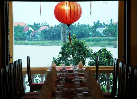 Dao Tien River: Looking out from Upstair.