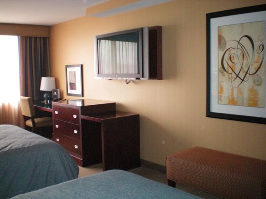 Silver Cloud Hotel - Seattle Stadium: Hotel Room with 2 queen beds