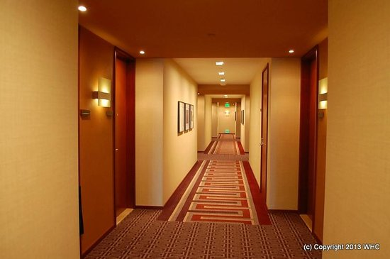 Four Seasons Hotel Silicon Valley at East Palo Alto: Cozy hallway