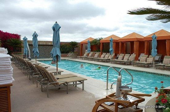Four Seasons Hotel Silicon Valley at East Palo Alto: pool (heated - wonderful for kids!)