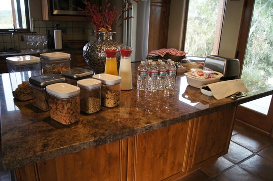 The Inn at Croad Vineyards: Continental Breakfast Setup