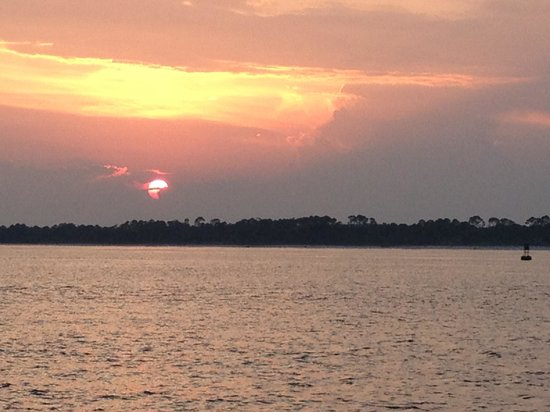 Premier Dolphine Cruise of Pensacola: Amazing sunset from boat