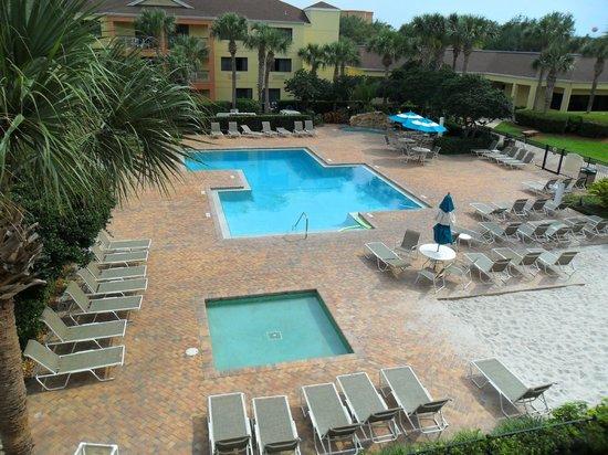 Courtyard by Marriott Orlando Lake Buena Vista at Vista Centre: Lovely pool area