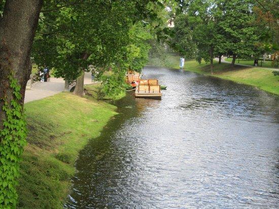 Pilsetas kanals: vista del canal