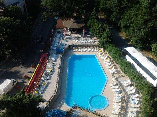 Shipka Hotel: Бассейн