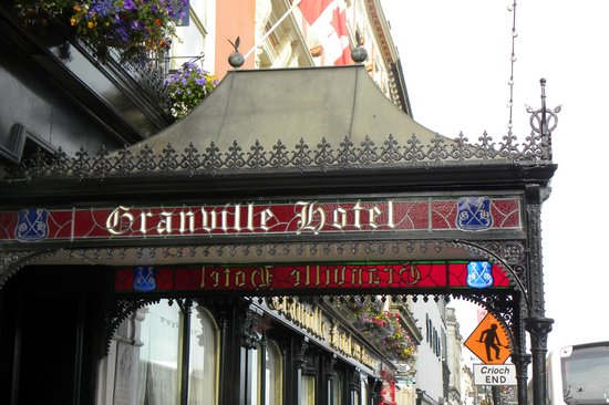 Granville Hotel: the portico