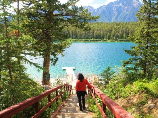Patricia Lake Bungalows Resort : Just serenity