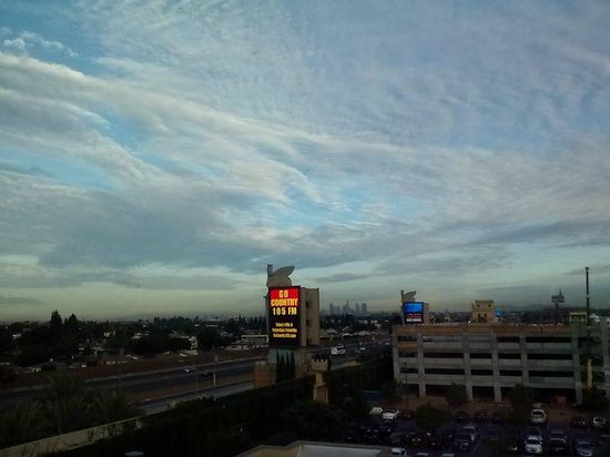 Doubletree by Hilton Hotel Los Angeles - Commerce: ... the view from our room at dawn