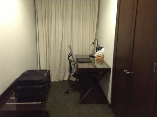 Wyndham Garden Mexico City Polanco : desk and chair