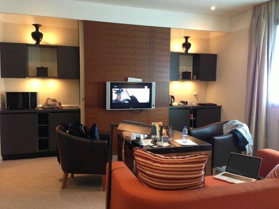 Milan Suite Hotel: Lots of space