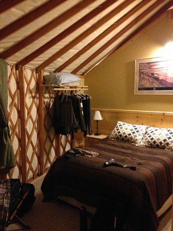 Sourdough Sue's Yurts: Bedroom 1