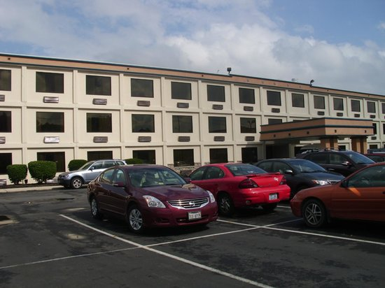 Days Inn Columbus Fairgrounds: Front of the Hotel
