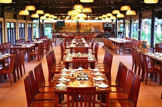 LongSon MuiNe Restaurant & Team Building