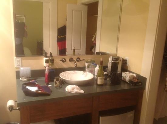Inn at Sonoma, A Four Sisters Inn: sink area too far back on vanity for shaving.  coffee maker and fridge (under vanity) in bath as