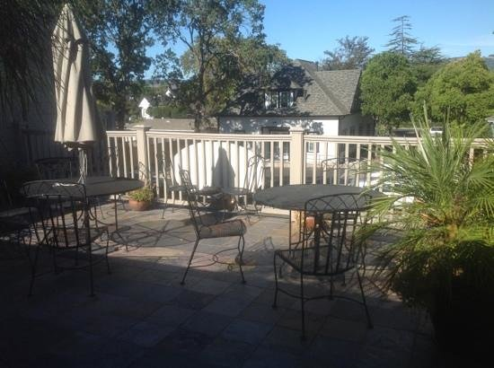 Inn at Sonoma, A Four Sisters Inn : 2nd floor sitting area overlooking annex building.