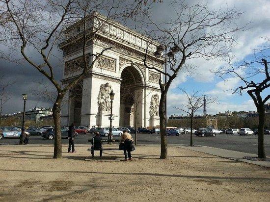 Adagio Access Paris Tilsitt Champs Elysees - ex-Citea : Arc de Triomphe Nearby