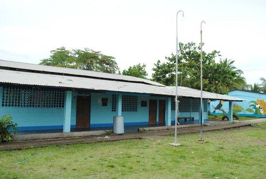 Pachira Lodge: Tortuguero ViIlage Tour